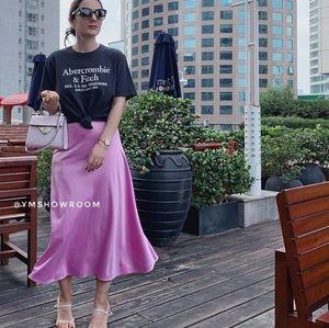 🔥1Left🔥ZARA Lilac Satin midi skirt